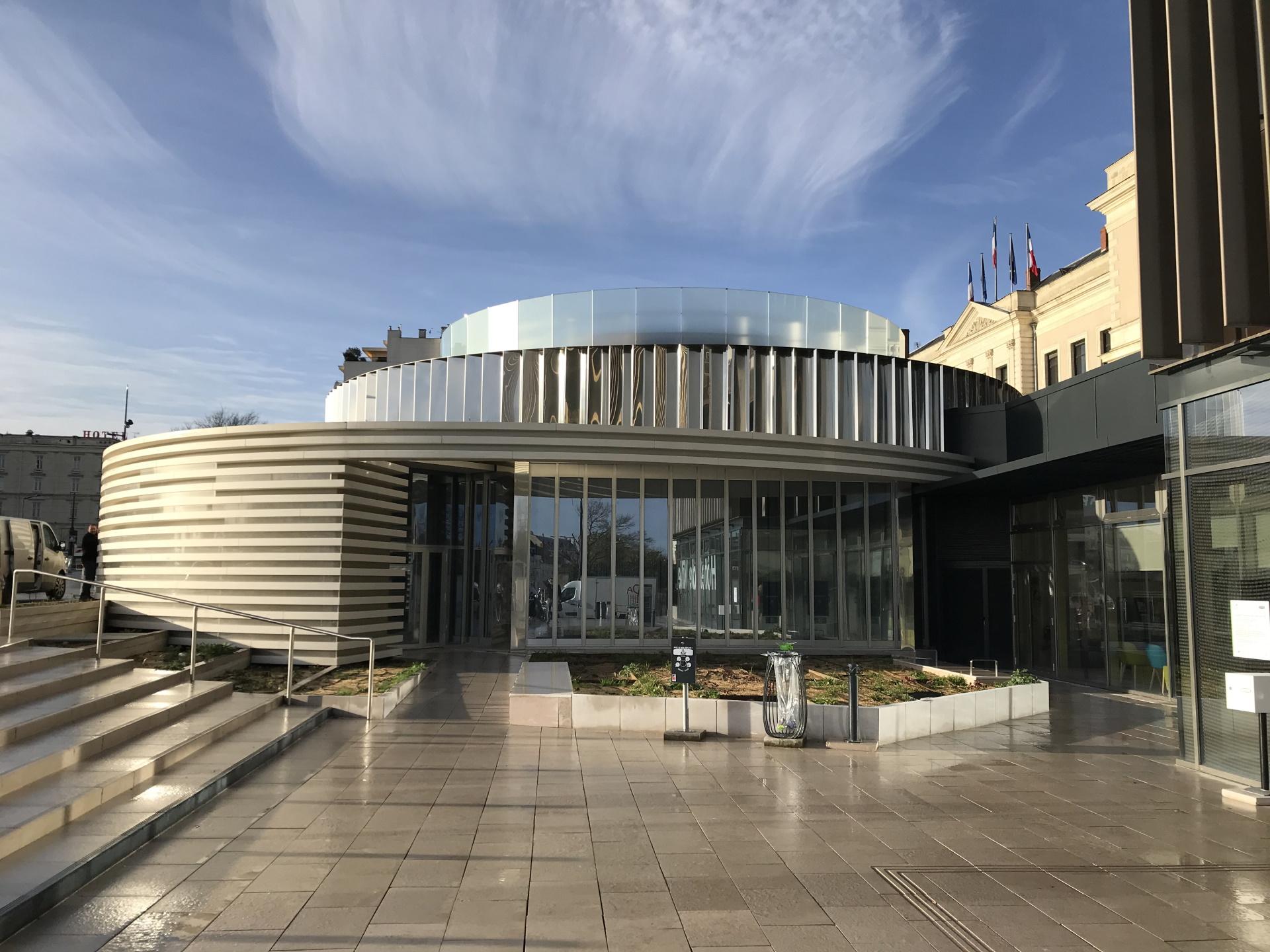Parvis - Hôtel de Ville Angers (49)
